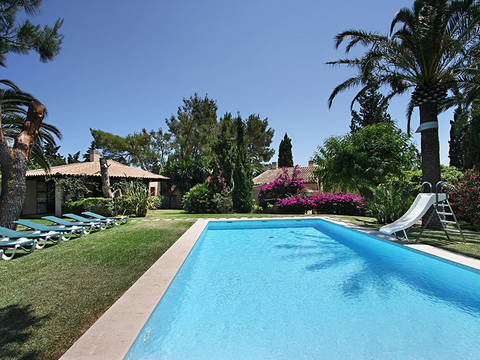 POL5683 Beautiful property close to the sea and the golf course in very private location