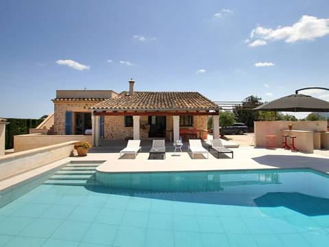 POL5845 Charming country house with rental license between Pollensa town and the bay
