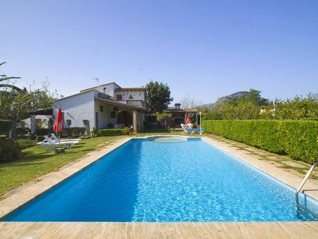 Great country house with pool and beautiful garden located in Pollensa