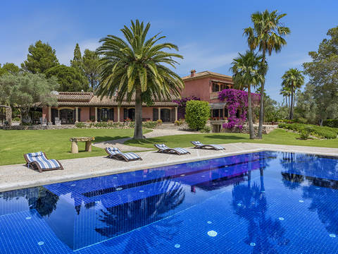 POL5902ETV Large country estate with holiday rental license in most exclusive area in Pollensa