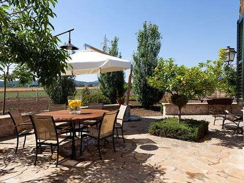 POL5930ETV Lovely country villa in a quiet area between Pollensa town and the Port