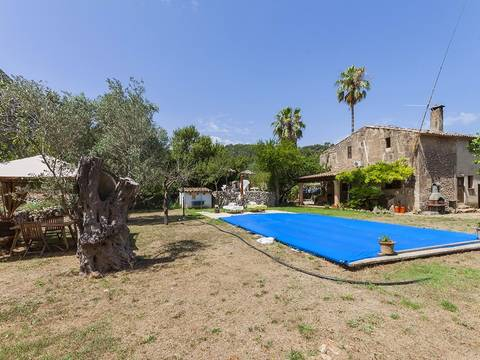 POL5971 Three bedroom Mallorcan finca with lots of potential in the countryside of Pollensa