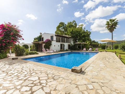POL5991 Charming country property with separate guest house and stables between Pollensa and the bay