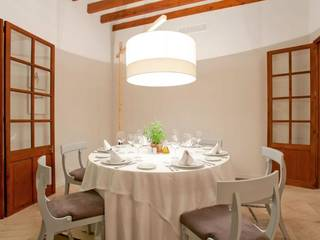 The town's most esteemed restaurant including upstairs apartment in Pollensa