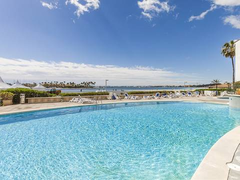 PTA11591ALC1 Frontline apartment offering delightful sea views in a well maintained complex in Puerto Alcudia
