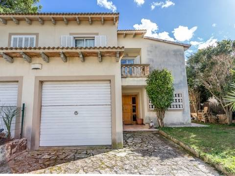 PTA20208 Semi-detached house, ideal for family holidays near the amenities and beach in Puerto Alcúdia