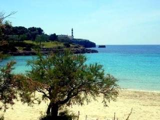 Villa with 3 individual apartaments for sale with views to the Port of Porto Colom, Felanitx