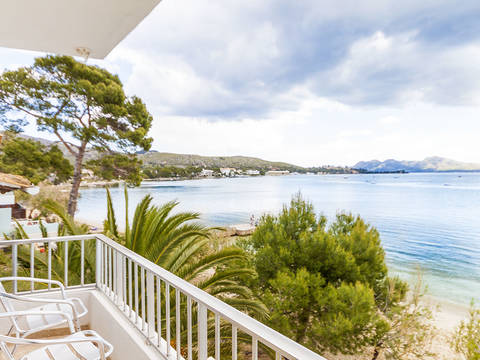 PTP1096 Beautiful apartment with stunning views across the Bay of Pollença