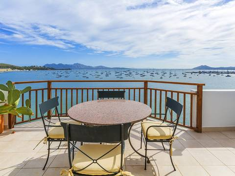 PTP11051 Luxury apartment on the famous Pine Walk in Puerto Pollensa with magnificent bay views