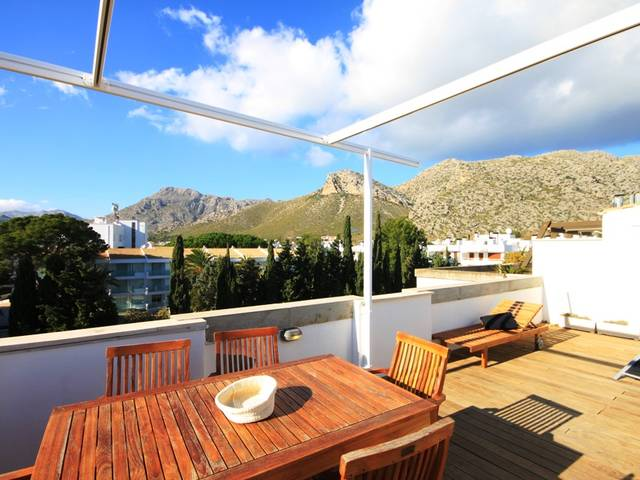 Brand new, modern penthouse 50m from the beach in Puerto Pollensa