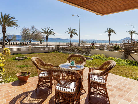 PTP11374 Beautiful front line apartment with garden and direct access to the beach in Puerto Pollensa