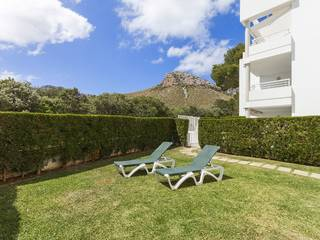Lock up and go property for sale with private garden in Bellresguard
