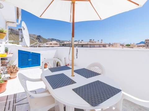PTP11548 Attractive apartment on 2 levels in a central location near the main square in Puerto Pollensa