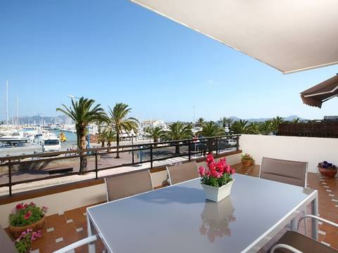 PTP11584ETV First floor frontline apartment with amazing sea views for sale in Puerto Pollensa