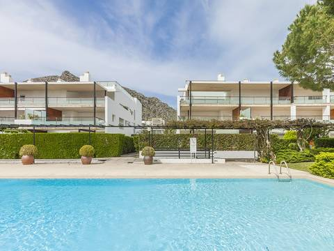PTP11598 Modern apartment in a luxury development close to the Pine Walk in Puerto Pollensa