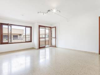 Lovely apartment with large terrace and views of the town and mountains in Puerto Pollensa