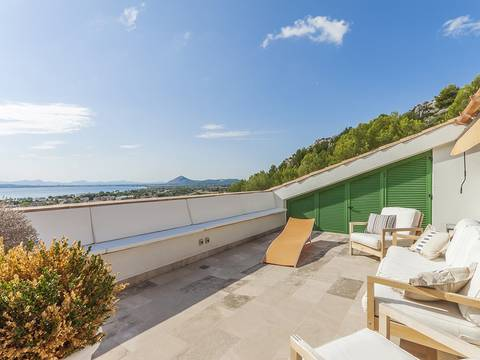 PTP11605 Puerto Pollensa: Elegant duplex penthouse with fabulous sea views in an exclusive community