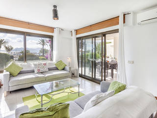 Spectacular ground floor apartment on the front line with great views of the bay of Puerto Pollensa
