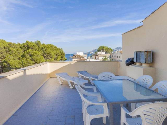 Well located apartment with sea views near the beach in Puerto Pollensa
