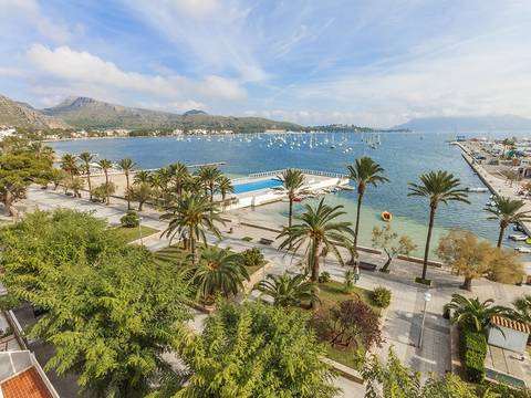 PTP11658 Centrally located frontline penthouse with gorgeous bay views in Puerto Pollensa