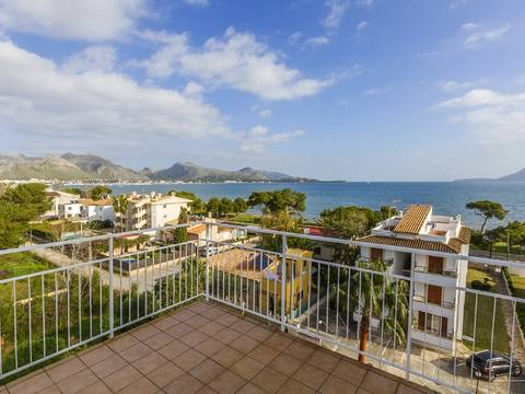 PTP11670 Fantastic 3 bedroom apartment, only seconds away from the sea in Puerto Pollensa