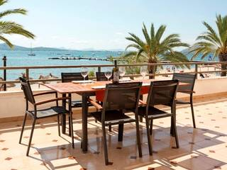 Frontline apartment with wonderful sea views and tourist license in Puerto Pollensa