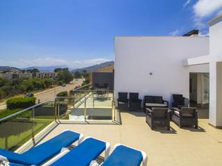 Stunning penthouse with superb roof terrace offering great views of the bay of Pollensa