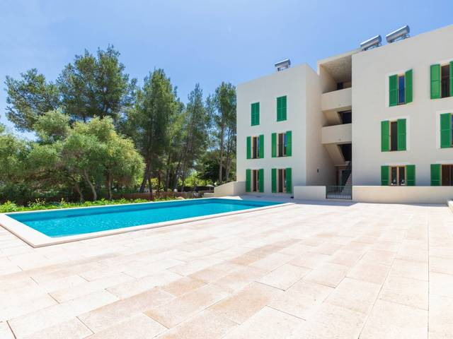 Recently finished modern apartment with community pool in Puerto Pollensa