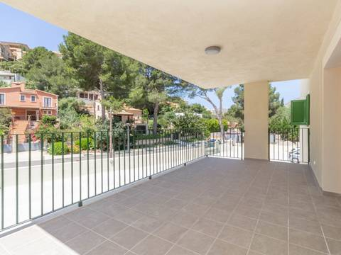 PTP11695 Recently finished modern apartment with community pool in Puerto Pollensa