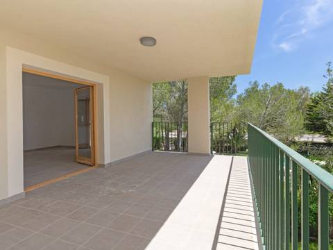 PTP11697 Recently finished modern apartment with community pool in Puerto Pollensa