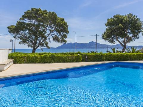 PTP11706 Two bedroom first floor apartment on the sea front in Puerto Pollensa