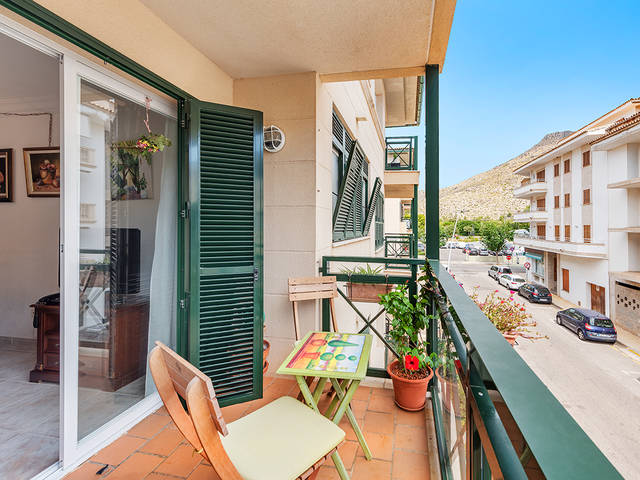 Fantastic 3 bedroom apartment, walking distance from the beach in Puerto Pollensa