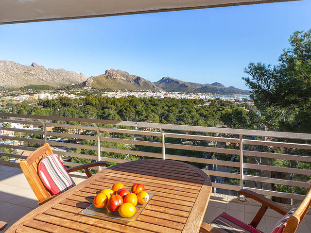 Smart two bedroom apartment with terrace and amazing sea views in Puerto Pollensa