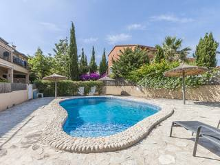 Three storey townhouse in a small complex with communal pool in Puerto Pollensa