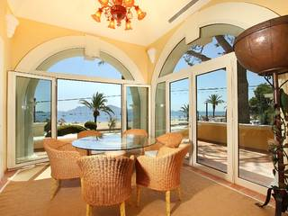 Beachfront villa for sale with possibility of pool in prime location in Puerto Pollensa