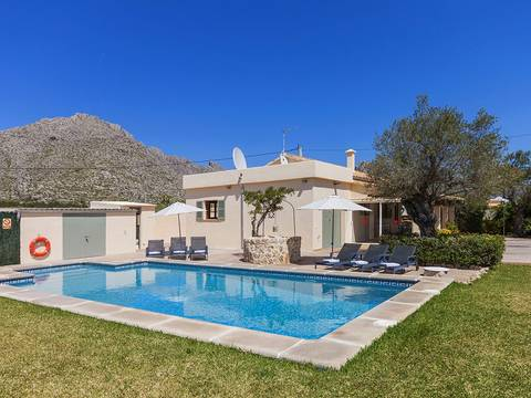 PTP40157POL5 Fantastic villa for sale in Puerto Pollensa with impressive views to the Tramuntana mountains