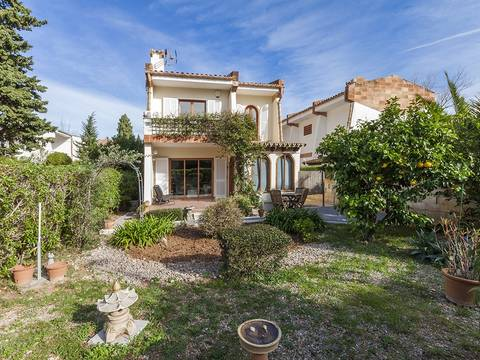 PTP40255 Attractive 3 bedroom detached house with private garden for sale in Puerto Pollensa