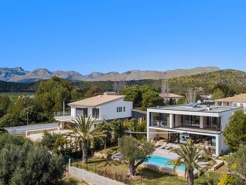 PTP40390 Spectacular brand new villa within a few minutes walking distance to the beach in Puerto Pollensa