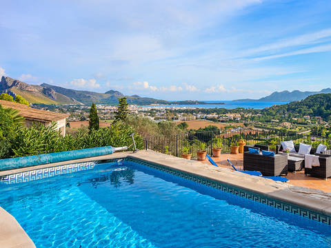 PTP40585POL4 Fantastic sea view villa with pool and guest houses in Pollensa