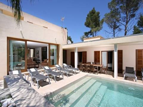 PTP4128 Modern villa close to the beach and amenities in Puerto Pollensa