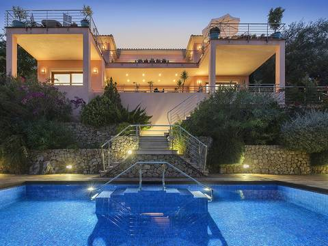 PTP4220PTPETV Glamorous luxury villa with rental license and fabulous sea views in Puerto Pollensa