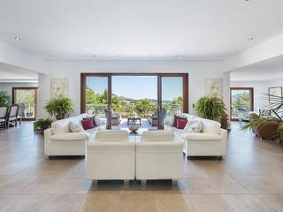 Glamorous luxury villa with rental license and fabulous sea views in Puerto Pollensa
