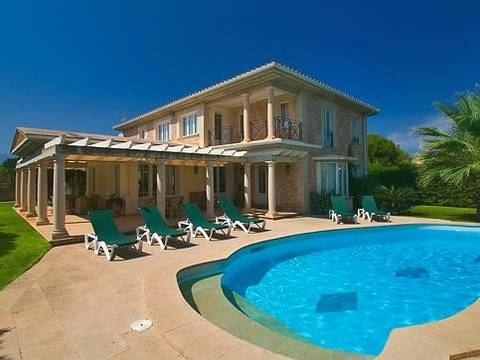 PTP4637 Elegant villa within easy walking distance to the chanriming beach in Puerto Pollensa