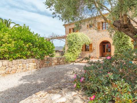 PTP52529POL5 Elegant country villa with bay and mountain views close to the sea and Puerto Pollensa