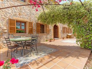 Elegant country villa with bay and mountain views close to the sea and Puerto Pollensa