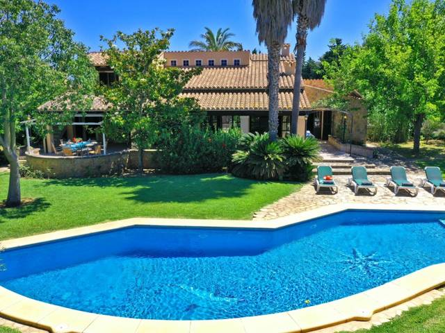 Rustic villa with private pool in the peaceful Pollensa countryside