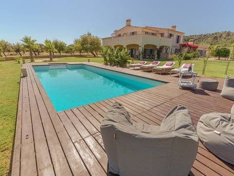 SAM5978CON Impressive country house with beautiful garden on the outskirts of Santa Maria