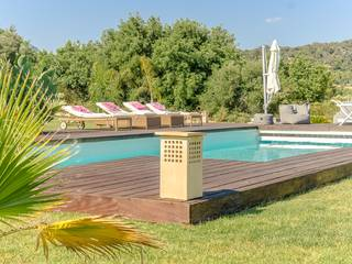 Impressive country house with beautiful garden on the outskirts of Santa Maria