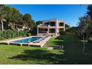 Stunning seafront villa for sale in privileged location in Cala Santanyi
