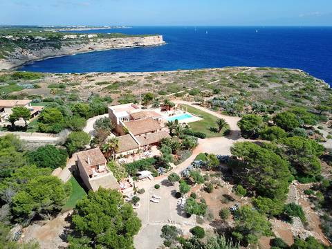 SAN40289 Impressive seafront villa for sale with extensive grounds and spectacular sea views near Cala Figuera